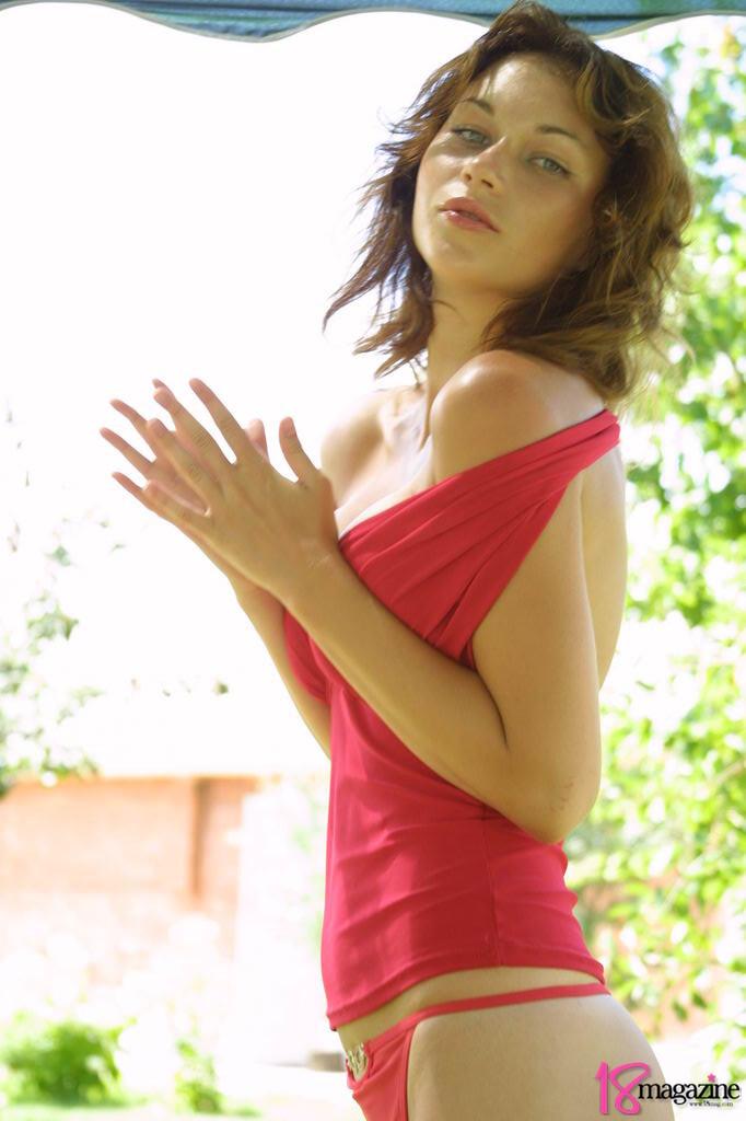 freehostedpics hg 18magazine tamara redblouse pics07