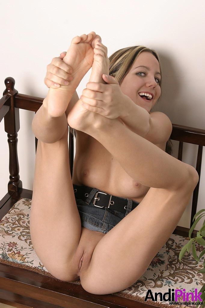 girl fingering herself gif porn