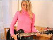 I Like To Be The Guitar Heroine! - Picture 2