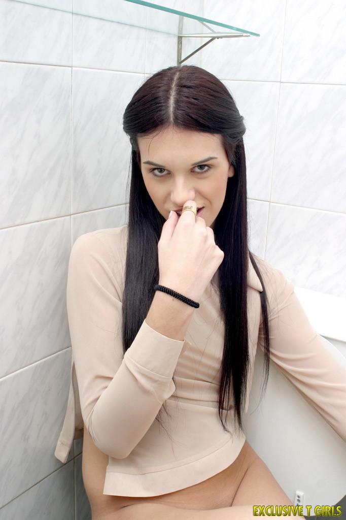 Luciana Bano: Shemale muy femenina