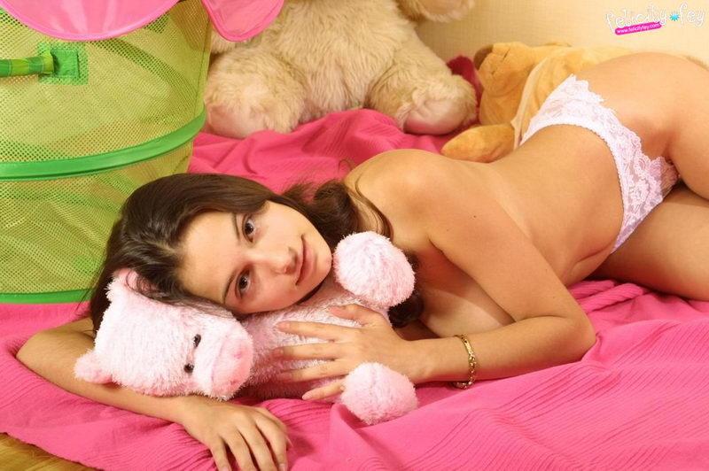 Фото малышки секси